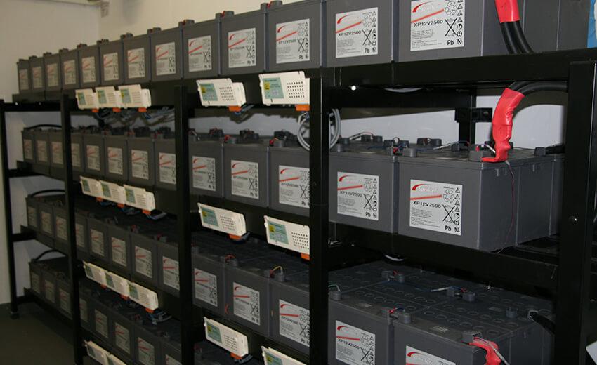 Batterien für Netzersatzanlage